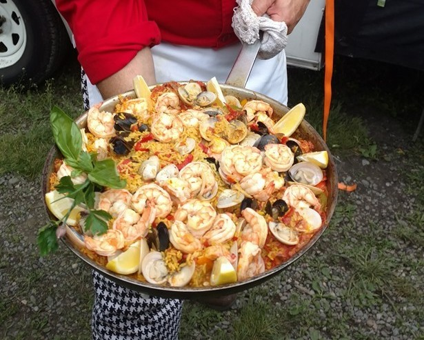Pizza Truck Paella closeup 20160514